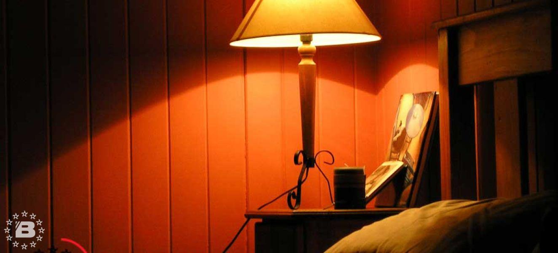 Освещение в доме требует особого внимания.